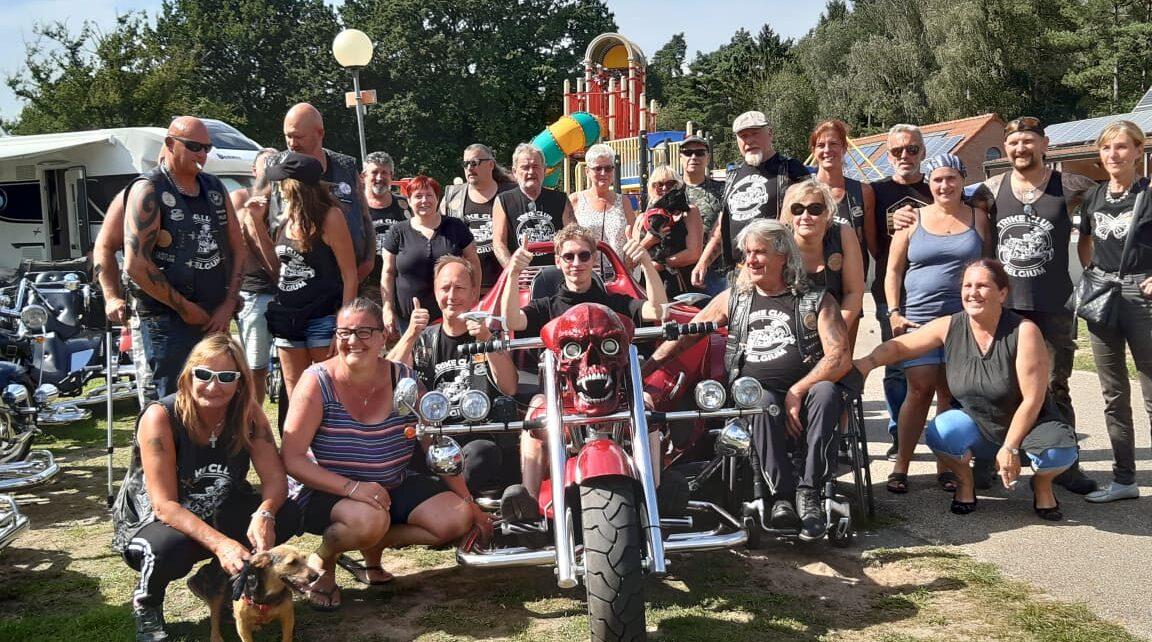 Trike Club Belgium schenkt Kevin supportpakket en dag van z'n leven