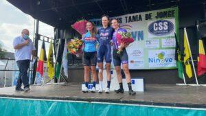 Podiumceremonie Julie De Wilde (PLANTUR-PURA), Marieke de Groot (Get Coached) en Claudia Jongerius (BINGOAL CASINO – CHEVALMEIRE) Dames Elite wielerwedstrijd Grote prijs Tania De Jonge Nederhasselt 2021